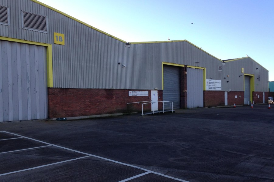 Unit 1B and 1C, Dominions Way Industrial Estate