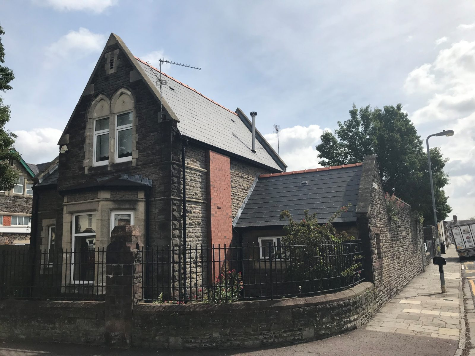 Former Caretakers Lodge, Radnor Road – To Let Office / Studio / Retail Opportunity